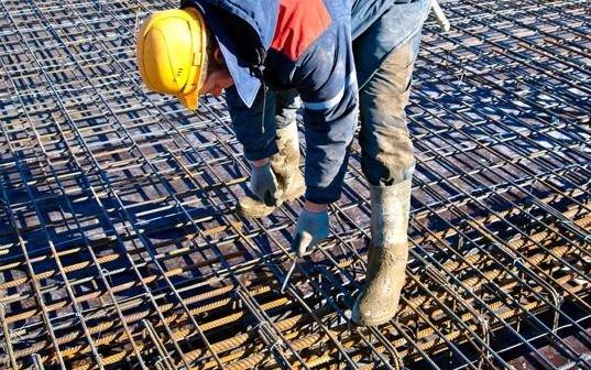 La actividad industrial subió 2,3% y la construcción 13,4% en septiembre, informó el Indec
