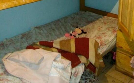 De no creer: desapareció una nenita, hicieron un piquete para reclamar pero estaba debajo de la cama