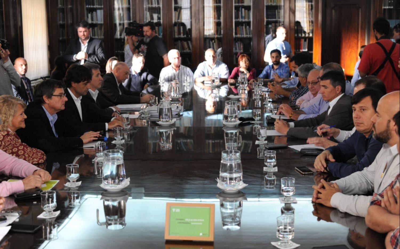 La mayoría de los gremios estatales aceptó la propuesta de Vidal