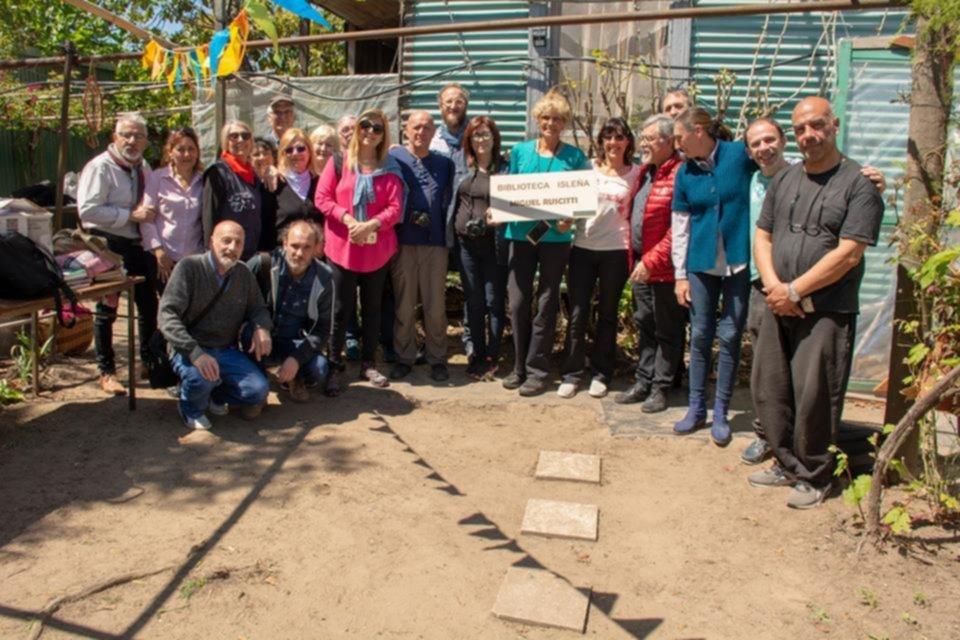 """La """"isla de los libros"""": en la Paulino inauguraron la primera biblioteca pública"""