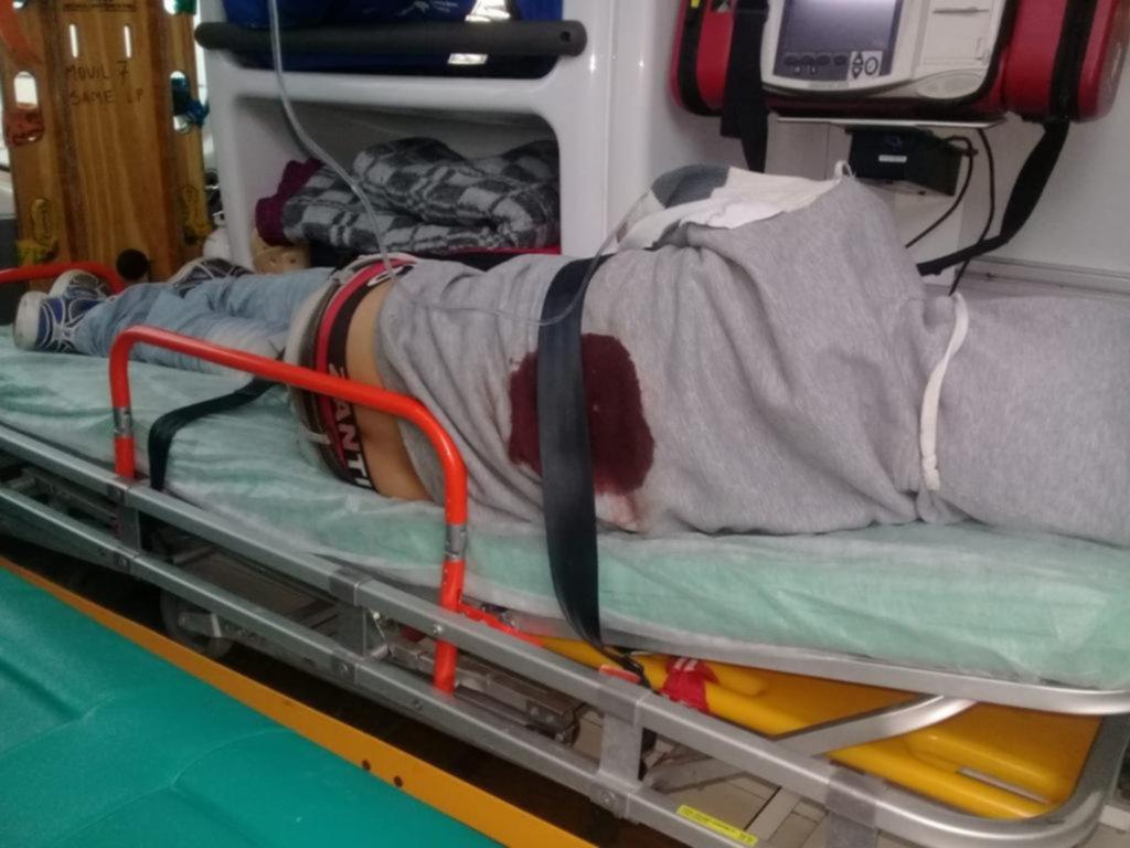Dos hombres fueron baleados en Tolosa y se investiga si los incidentes están relacionados
