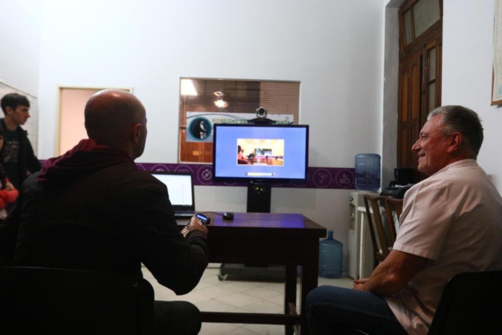 Ante la escasez de especialistas, atienden desde La Plata teleconsultas de todo el país