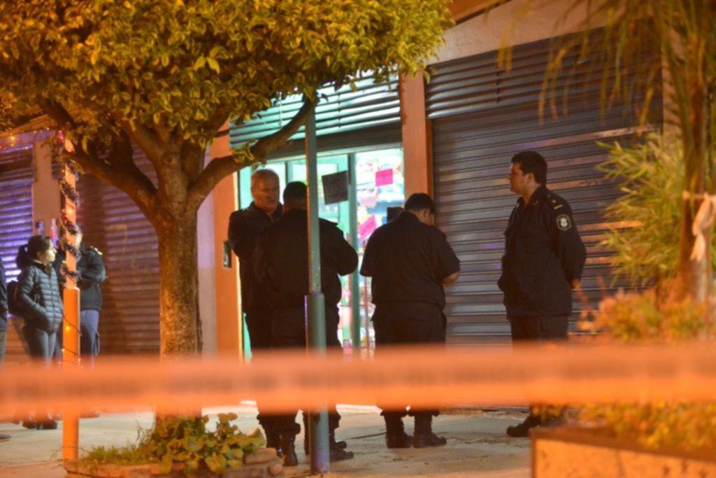 Policía mató a un joven que habría intentado asaltar su kiosco en San Carlos
