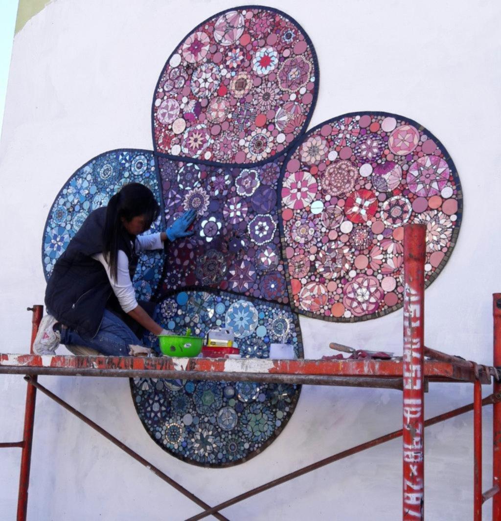 Los murales de la salud avanzan en los hospitales de la Región y aportan distintos beneficios