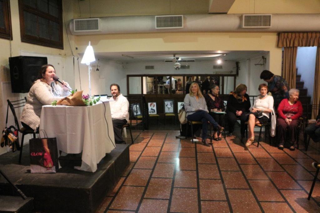 Escritores locales mostraron sus obras en un encuentro de poesía y narrativa