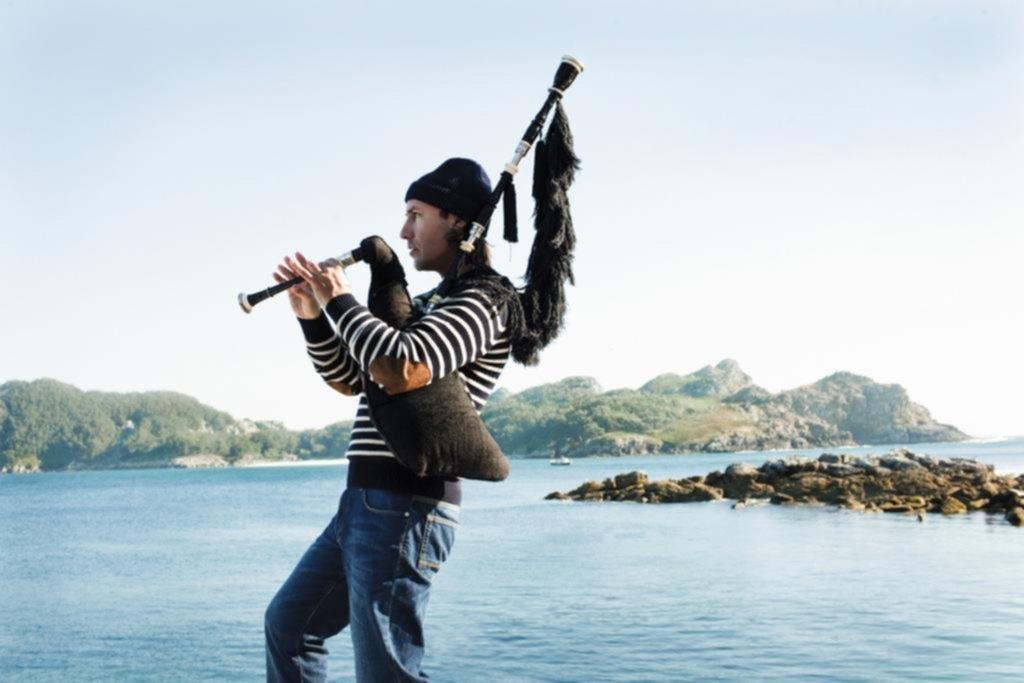 La utopía de la música celta: la gaita invencible de Carlos Núñez llega a la Ciudad