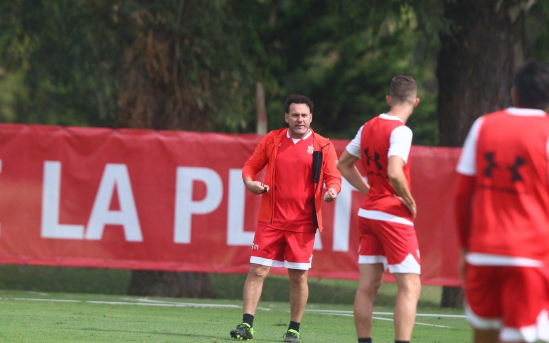 Estudiantes presentaría varios cambios para jugar por la Copa Argentina