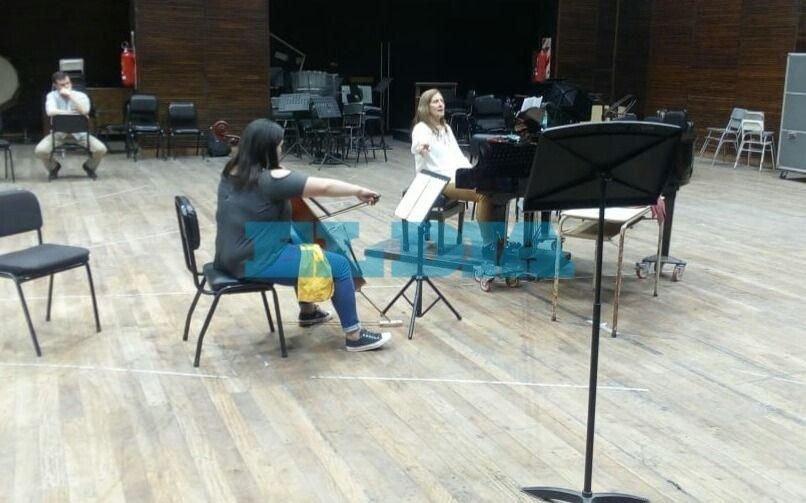 Gran experiencia para alumnos de la Orquesta Escuela Berisso con Maestra del Colón