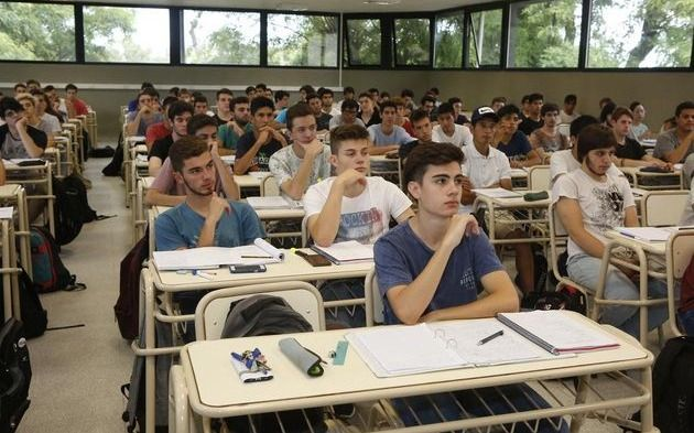 Focalizarán las becas Progresar en los alumnos que estudien áreas de conocimiento estratégico