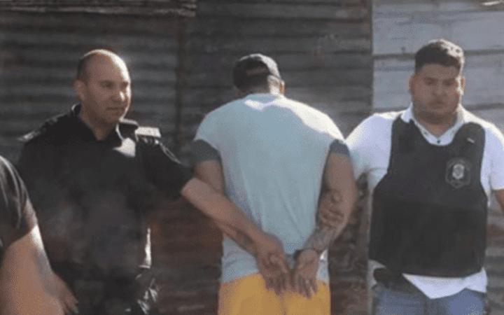 Rescatan a una joven de 18 años retenida por su pareja en una casa de Quilmes