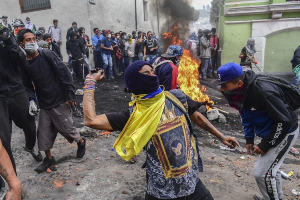 Ecuador al rojo vivo por la protesta social: violencia y caos en las calles