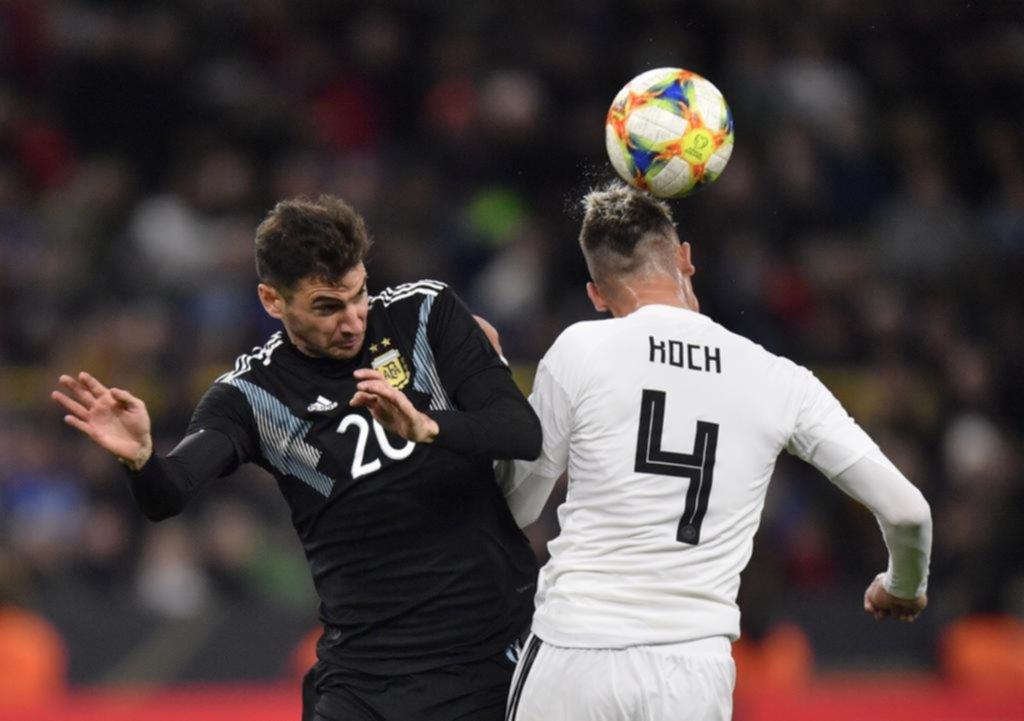 Alario, un gol y una asistencia, lo mejor del equipo nacional