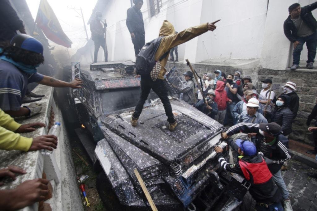 Clima de extrema tensión en Ecuador y continúa el caos