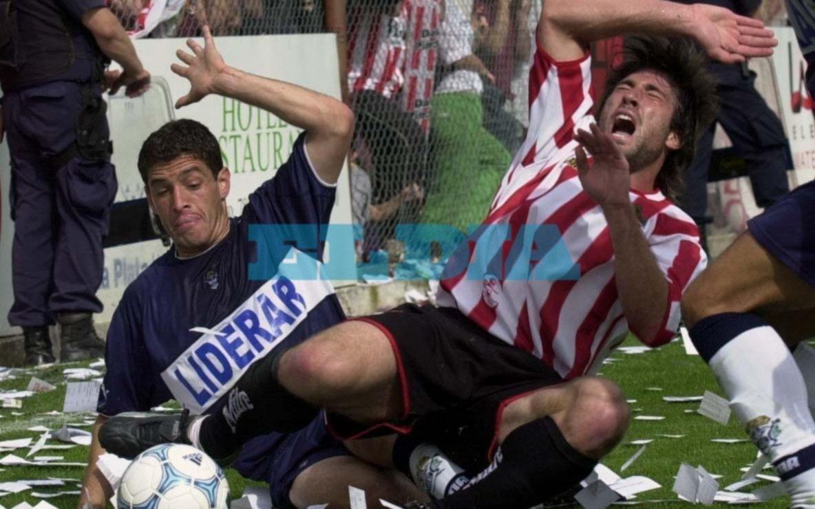 Hace 15 años, los equipos platenses también peleaban juntos por no descender