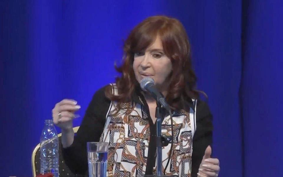"""Cristina Kirchner: """"Que la deuda externa la paguen en mayor parte quienes más la disfrutaron"""""""