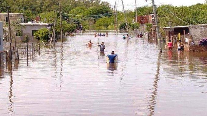 Al menos cinco mil personas siguen evacuadas por las inundaciones en La Matanza