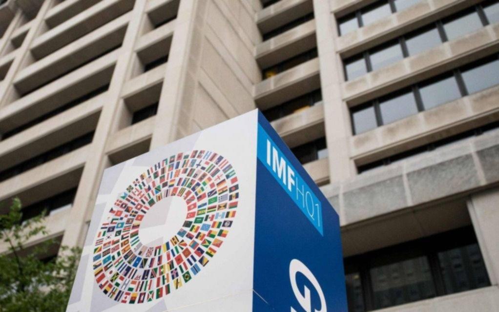 """Un informe del FMI prevé un futuro """"negro"""" para Argentina"""
