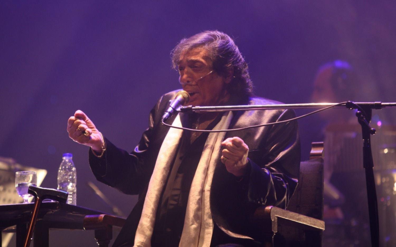 Murió Cacho Castaña, un ícono de la música popular