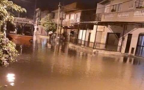 Quedan casi 5.000 evacuados en La Matanza por las tormentas