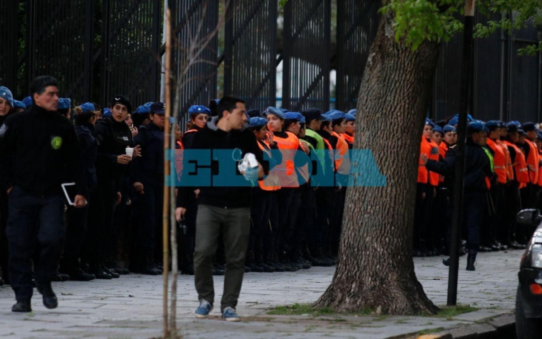 Las policías que participaron del Encuentro de Mujeres recibirán un bono de 3 mil pesos