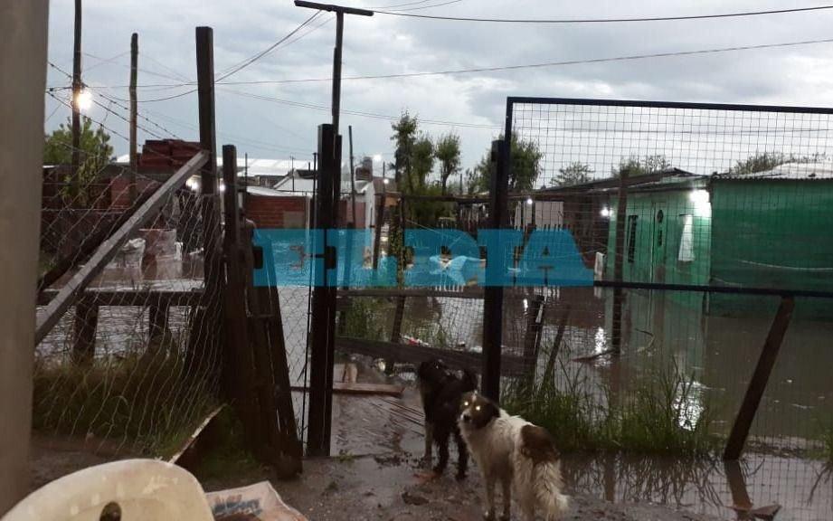 En algunos barrios siguen complicados tras las intensas lluvias de los últimos días
