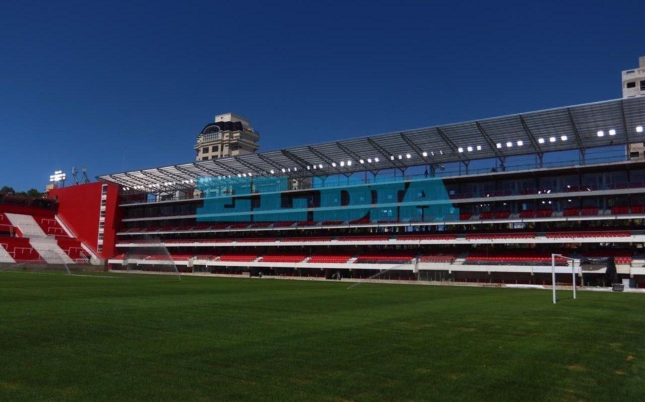 ¡Se hizo la luz! Probaron los reflectores del nuevo estadio de Estudiantes