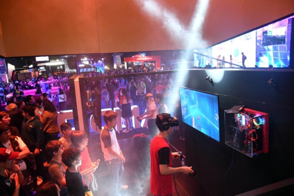 Una multitud para participar del festival de videojuegos