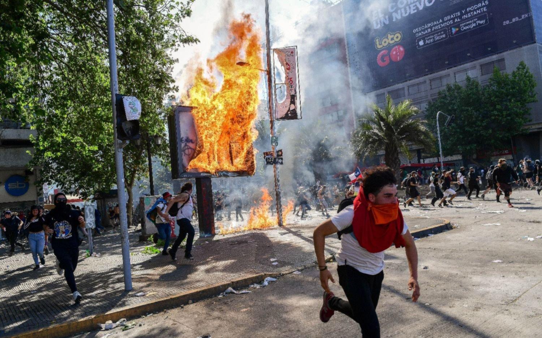 EN VIVO.- Chile sigue bajo tensión en medio de un estallido que dejó 11 muertos y cientos de heridos