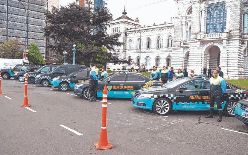 Transformados en patrulleros, comienzan a operar los autos secuestrados en controles