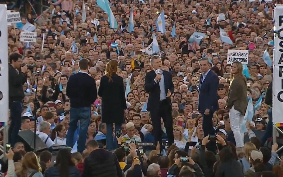 """Macri en Rosario: """"Dejamos un espacio vacío y ese vacío lo ocuparon para tomar el país"""""""