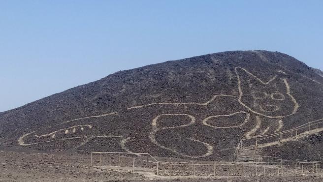Descubren en las legendarias líneas de Nazca la figura de un gato de 37 metros