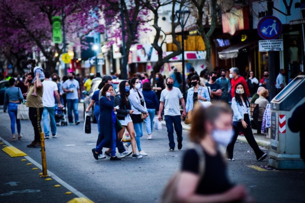 Día de la Madre: el Centro se movió al ritmo de las compras de última hora