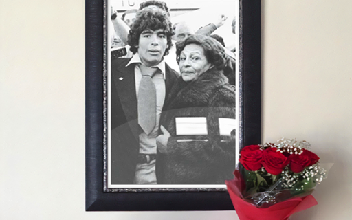 El recuerdo de Maradona para la Tota en el Día de la Madre