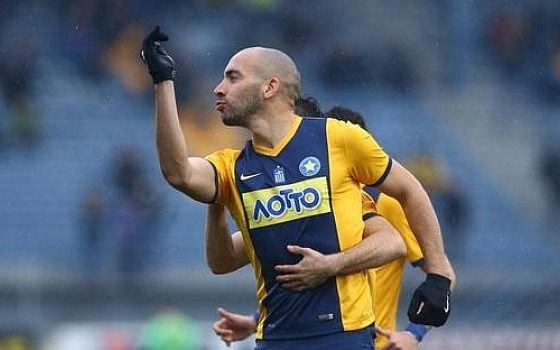 Dos goles del ex delantero de Gimnasia Jerónimo Barrales en la Superliga de Grecia