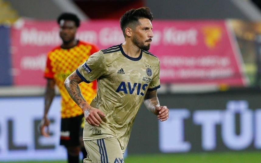 Sosa hizo un gol para Fenerbahce, que lidera en Turquía