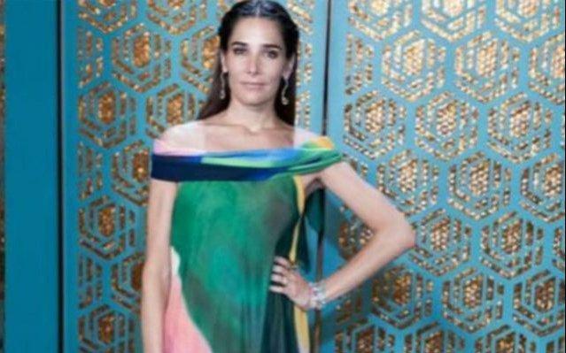 Juana Viale deslumbró con su vestido de transparencias