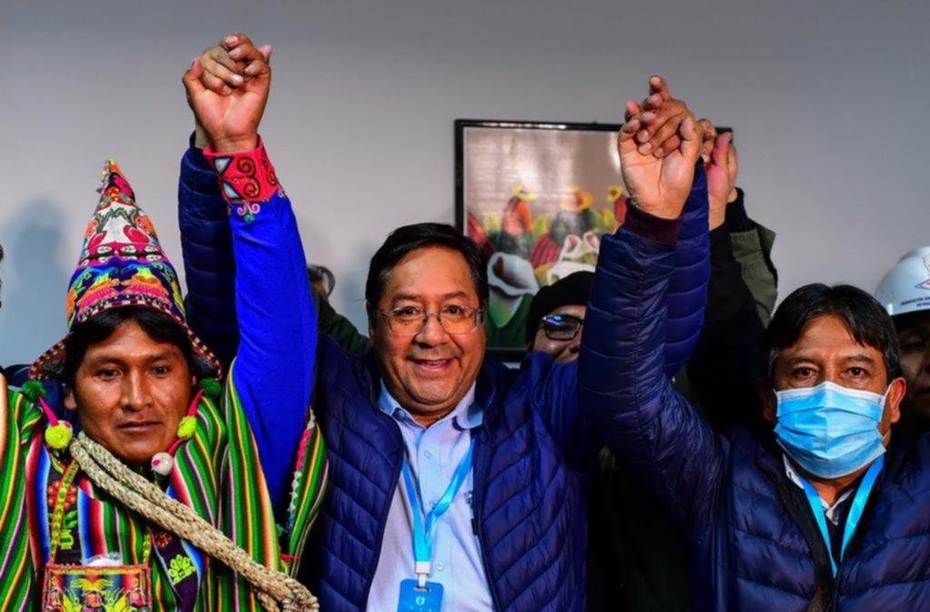 Arce toma las riendas de Bolivia,         una nación polarizada y en crisis