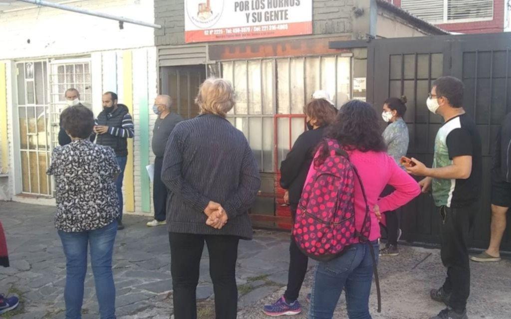 Vecinos de Los Hornos van a la Justicia y demandarán a ABSA por la calidad del agua