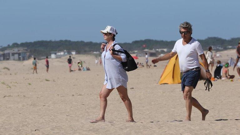 Ricardo Darín y su mujer se las tomaron a Uruguay