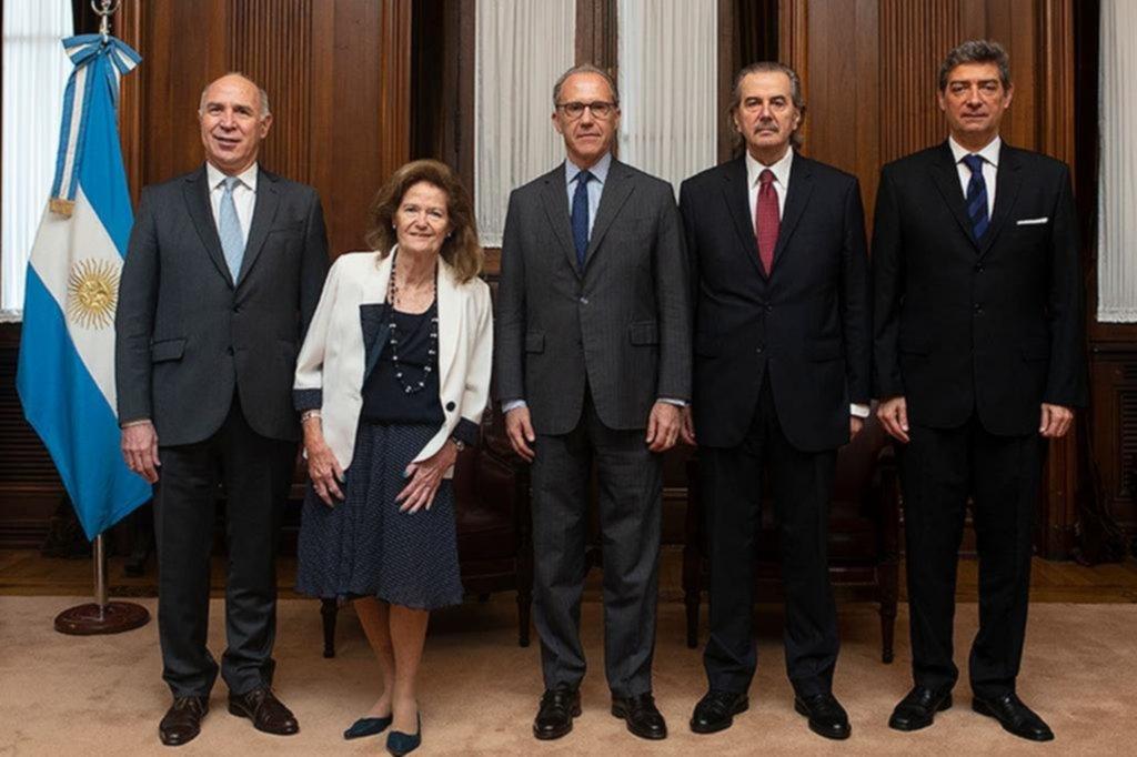 La Corte Suprema mantiene el suspenso en el caso de los traslados de tres jueces