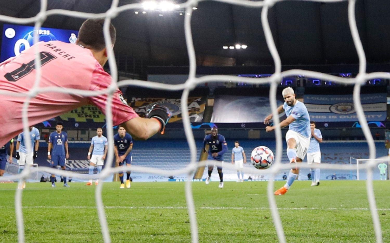 """El """"Kun"""" Agüero marcó en el triunfo del City y el """"Papu"""" Gómez en la goleada de Atalanta"""