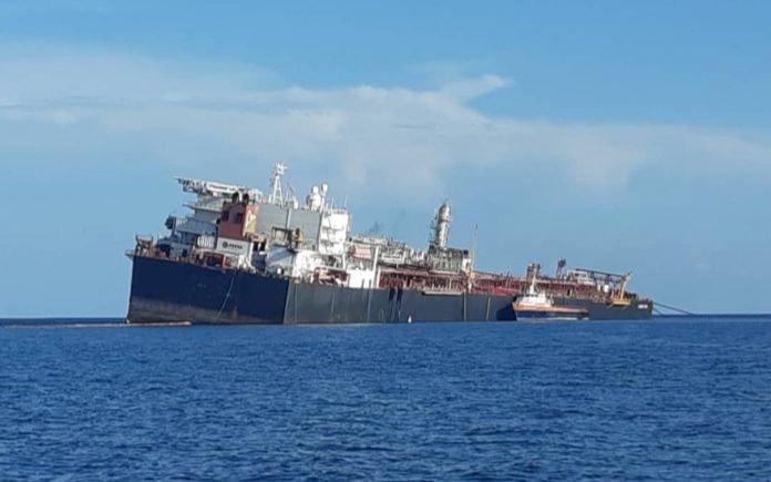 """Los daños en petrolero de Venezuela encienden alarmas por riesgo de """"desastre ambiental"""""""