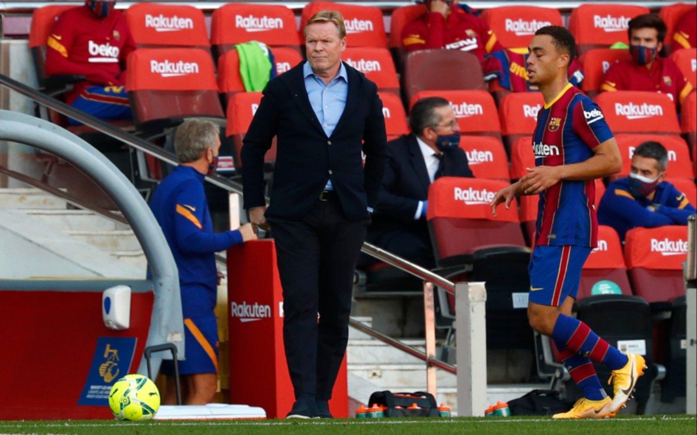 """Koeman, picante tras la derrota en el clásico: """"¿Por qué el VAR se utiliza solo contra el Barcelona?"""""""