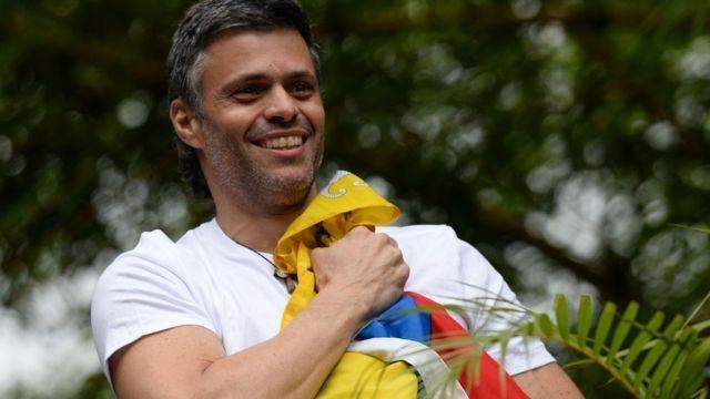 El opositor Leopoldo López escapó de la embajada española en Venezuela y llegó a Colombia