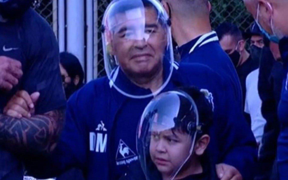Maradona fue aislado y su presencia en el Bosque está en duda