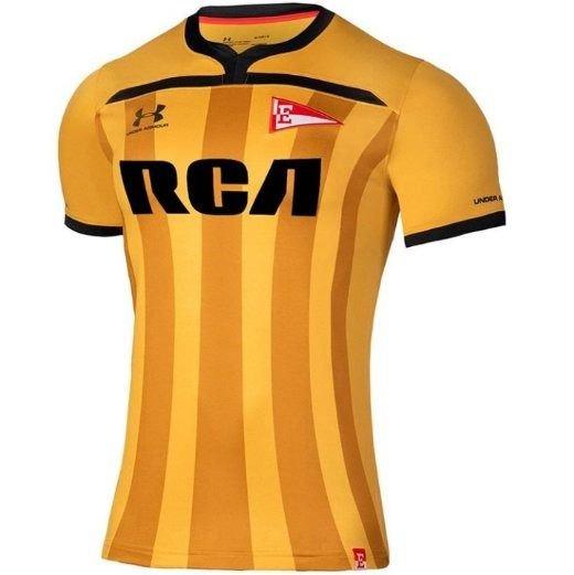 Toda dorada y polémica: se dio a conocer la tercera camiseta del Pincha