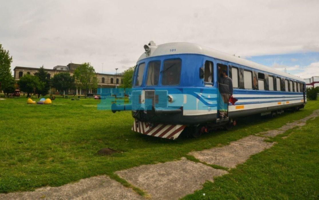 Emoción en Meridiano V: el tren universitario le devuelve la vida al ferrocarril
