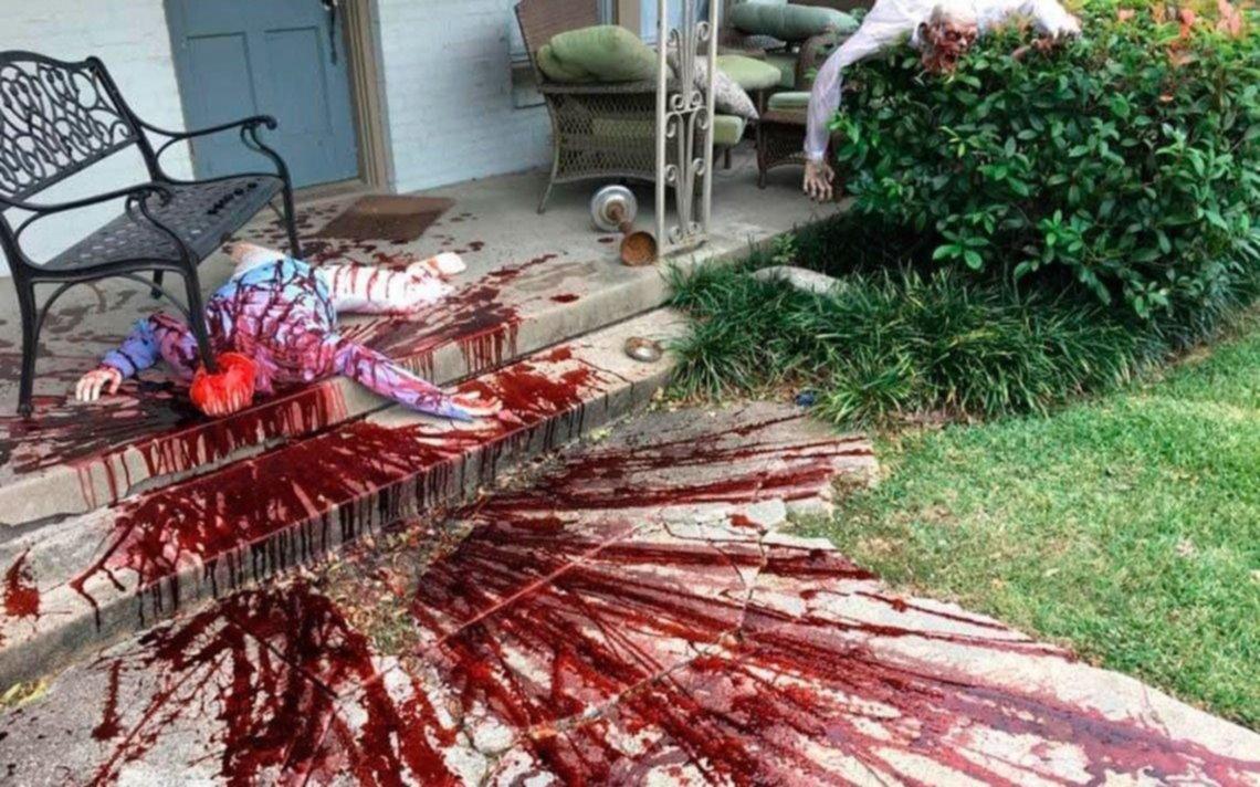 Halloween: decoró su casa como una escena de un crimen y tuvo que dar explicaciones a la policía