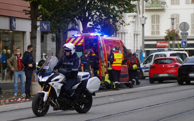 Horror en Francia: tres muertos por un ataque terrorista en la basílica de Notre-Dame