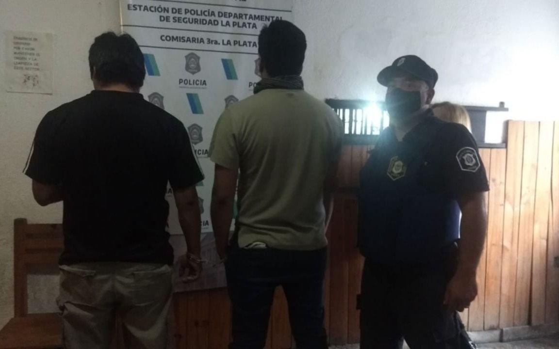 Policías evitaron a tiempo la toma de un terreno en Los Hornos: tres detenidos